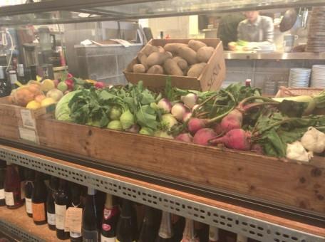 野菜のおいしい人形町のビストロ
