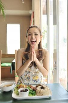 【連載】オーガニックなひと/vol.3 ビューティーフード研究家 室谷真由美さん[最終回]